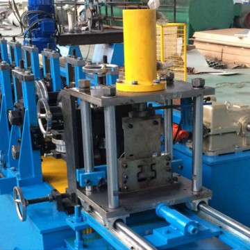 Upright pillar making machine for racking system