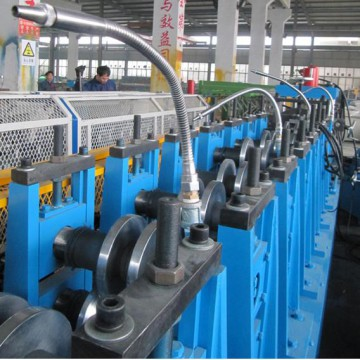 Light duty rack roll forming machine