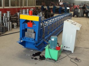 gutter-roll-forming-machine