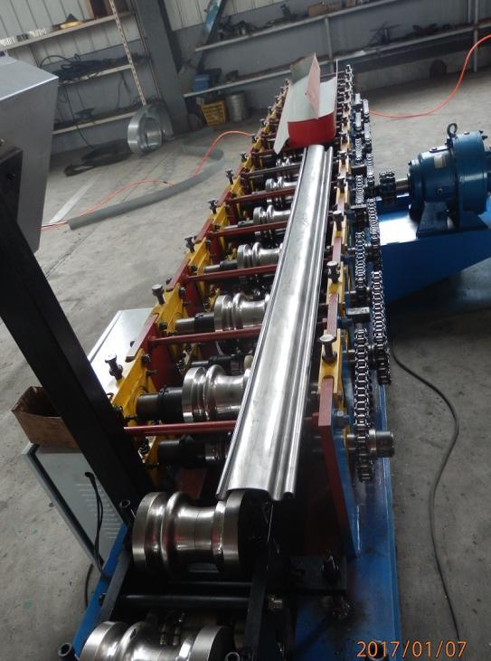 China rolling shutter slats steel door making machine