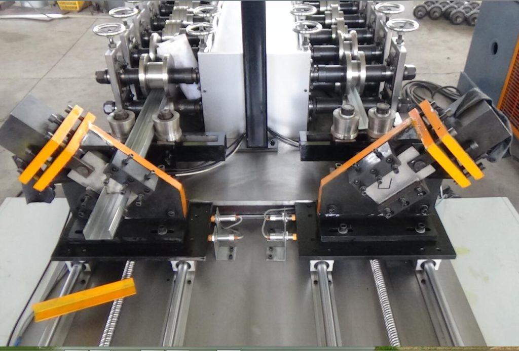 keel/truss steel roll forming machine