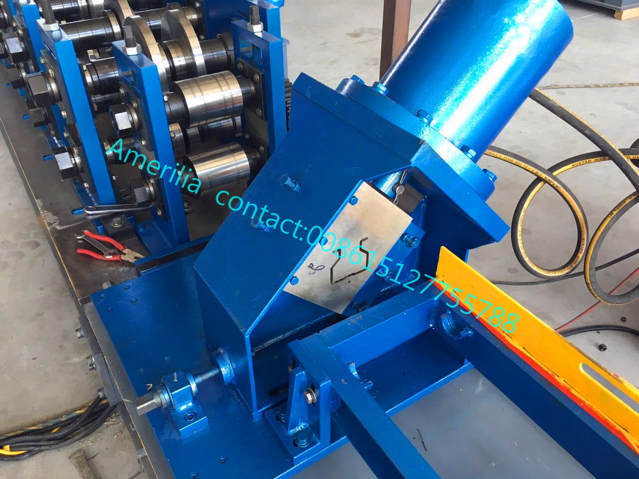 Pallet rack upright frame roll forming machine