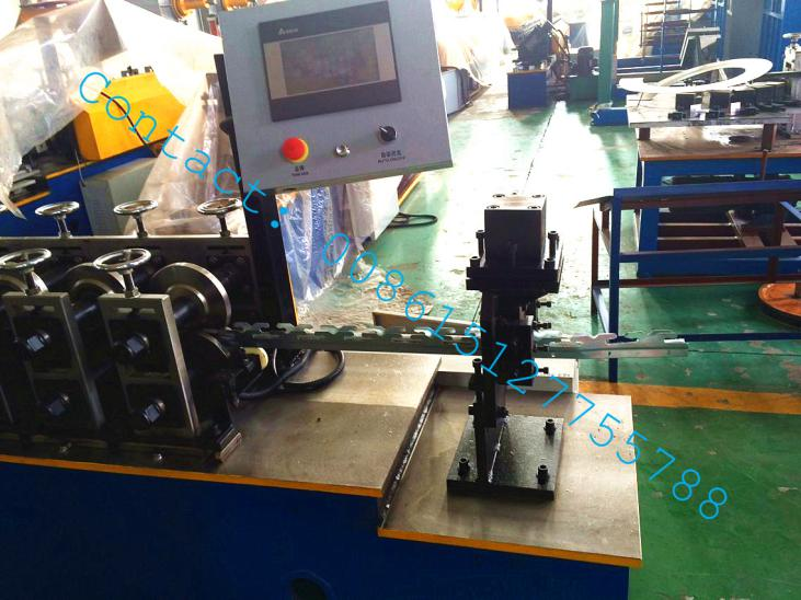 Cassette furring hat keel for ceiling roll forming machine