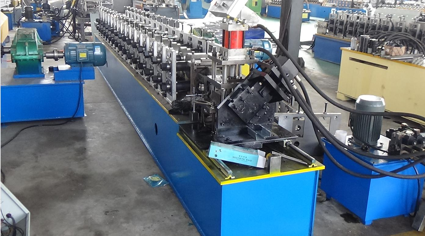 Fully automatic door frame making machine