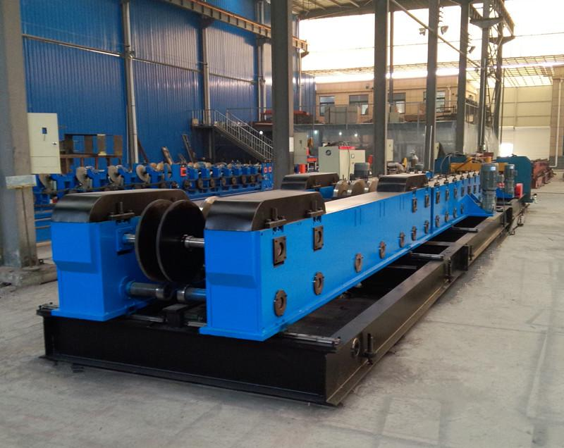 Linear cable tray roll forming machine
