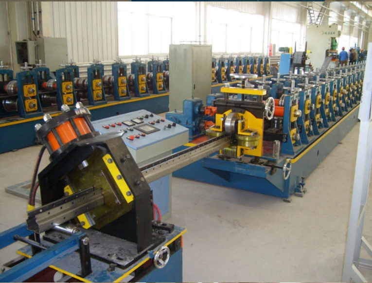 Medium duty warehouse rack rolling forming machine